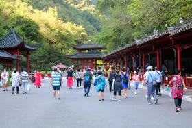 中秋节综述   月圆人团圆,三峡大瀑布喜迎八方游客共度中秋佳节!